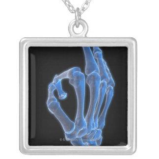 Collier Geste de main squelettique