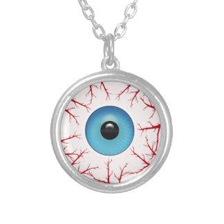 Collier Globe oculaire bleu injecté de sang déplaisant