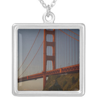 Collier Golden gate bridge et San Francisco