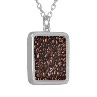 Collier Grains de café délicieux frais de Brown