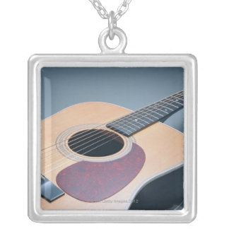 Collier Guitare acoustique