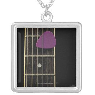 Collier Guitare électrique 10