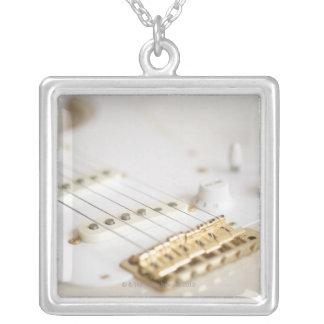 Collier Guitare électrique 11