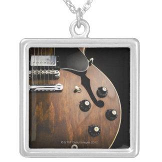 Collier Guitare électrique 3