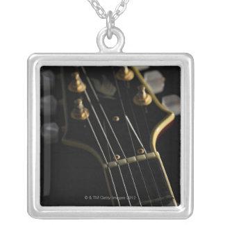 Collier Guitare électrique 8