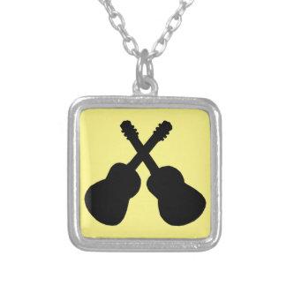 Collier guitares noires