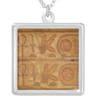 Collier Hiéroglyphes colorés, temple de Karnak, abeille de