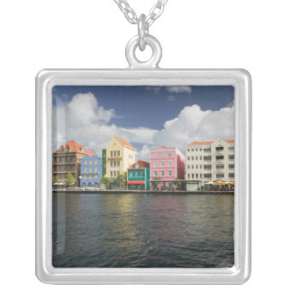 Collier Îles d'ABC, CURAÇAO, Willemstad : Harborfront