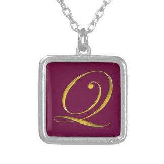 Collier initial du monogramme Q d'or