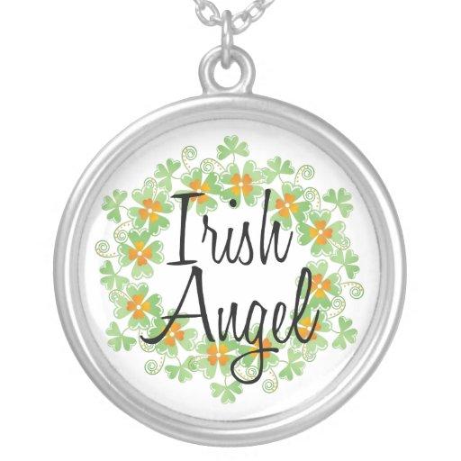 Collier irlandais de shamrocks d'ange