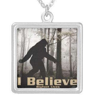 Collier Je crois les vies de Bigfoot