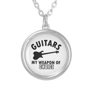 Collier joueur d'électrique-guitare