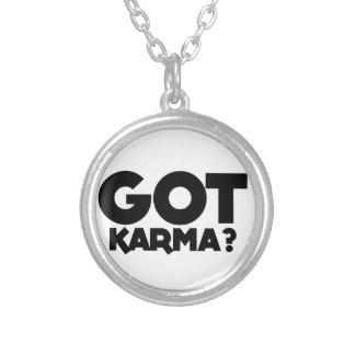Collier Karma obtenu, mots des textes