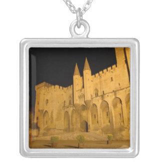 Collier La France, Avignon, Provence, palais papal la nuit