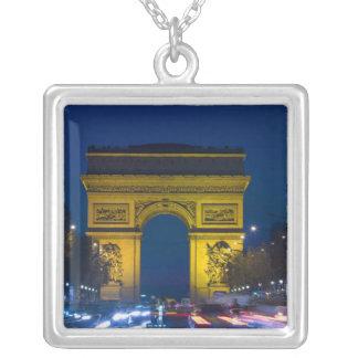 Collier La France, Paris. L'Arc de Triomphe et