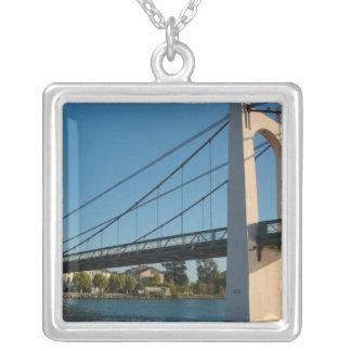 Collier La France, Rhône-Alpes, Condrieu, pont à travers 2