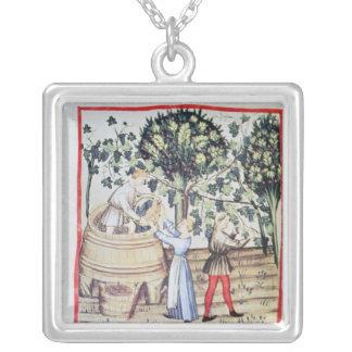 Collier La récolte de raisin, 13ème siècle