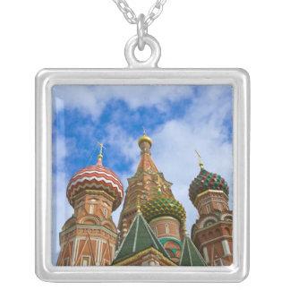 Collier La Russie, Moscou, carré rouge, St Basil