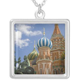 Collier La Russie, Moscou, carré rouge. St Basil 3