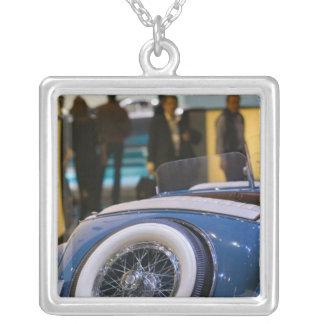 Collier LA SUISSE, GENÈVE : soixante-quinzième Automobile