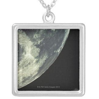 Collier La surface lunaire