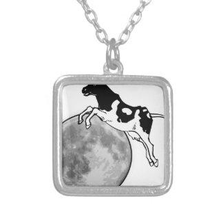 Collier La vache sautant par-dessus la lune