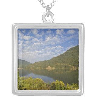 Collier Lac Kootenay en Colombie-Britannique du Nelson