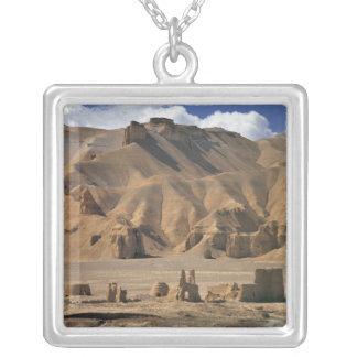 Collier L'Afghanistan, vallée de Bamian. De terre antique