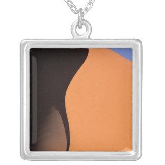 Collier L'Afrique, Namibie, même la lumière sur des dunes,