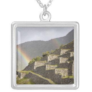 Collier L'Amérique du Sud, Pérou, Machu Picchu.