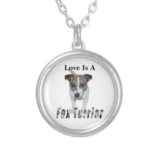 Collier L'amour est un Fox Terrier,