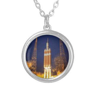 Collier Lancement de Rocket de vaisseau spatial de la NASA