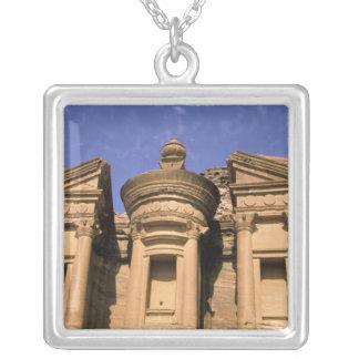 Collier L'Asie, Jordanie, PETRA. EL Deir, le monastère. 2