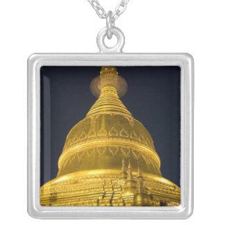 Collier L'Asie, Mayanmar, Yangon, temple bouddhiste dedans
