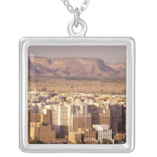 Collier L'Asie, Moyen-Orient, République du Yémen. Shibam