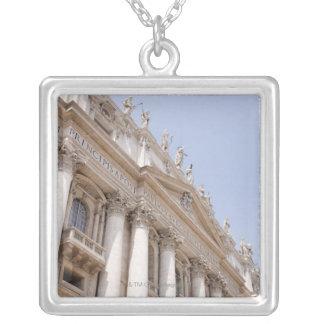 Collier Le carré de St Peter, Ville du Vatican, Rome,