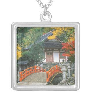 Collier Le Japon, Nara, temple de Ryuzenji