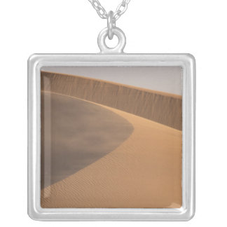 Collier Le Maroc, dunes de sable, vallée de Draa