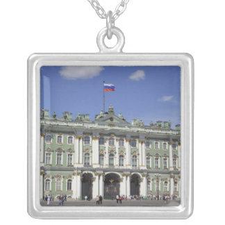 Collier Le palais d'hiver, St Petersburg, Russie (RF)