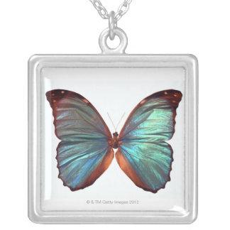 Collier Le papillon avec des ailes a écarté 2