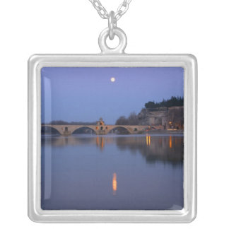 Collier Le pont de St Benezet de Pont à Avignon sur