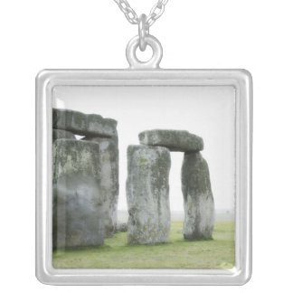 Collier Le Royaume-Uni, Stonehenge 13