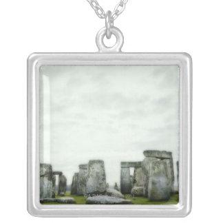 Collier Le Royaume-Uni, Stonehenge 14