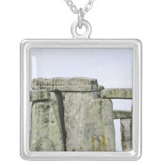 Collier Le Royaume-Uni, Stonehenge 4