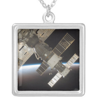 Collier Le Soyuz accouplé 13