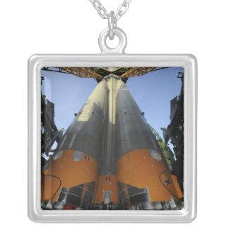 Collier Le vaisseau spatial 2 de Soyuz TMA-13