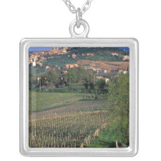 Collier Le village de San Gimignano se repose dans le
