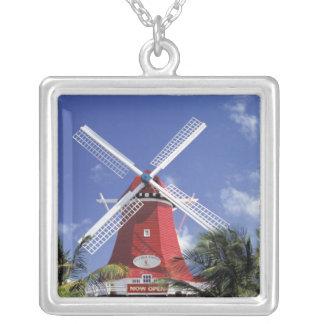 Collier Les Caraïbe, Aruba. Vieux moulin, converti en