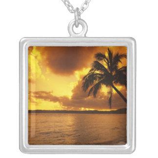 Collier Les Etats-Unis, Hawaï, Kauai, lever de soleil