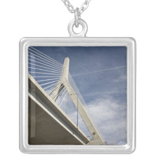 Collier Les Etats-Unis, le Massachusetts, Boston. Le pont